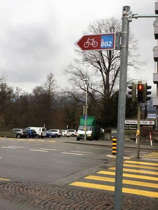 Der Kreuzplatz soll von Velofahrer via Untere Emmengasse umfahren werden.