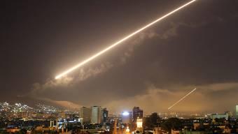 USA und Verbündete attackieren Syrien