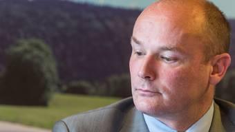 Die Zuversicht hielt nicht lange: Yvan Perrin bei der Pressekonferenz am 22. April, als er in die Regierung zurückgekehrt ist.keystone