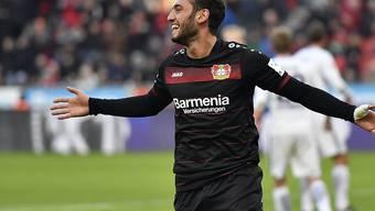 Schöne Geste: Bayer Leverkusens Hakan Calhanoglu verzichtet während seiner viermonatigen FIFA-Sperre auf seinen Lohn