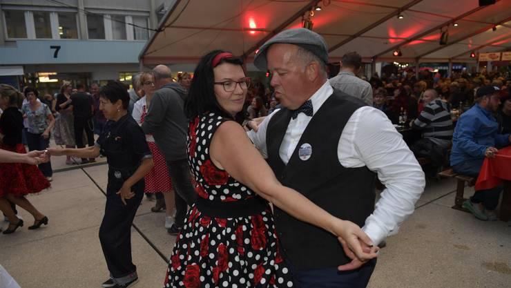 Tanzen zur Musik von «Head over Heels».