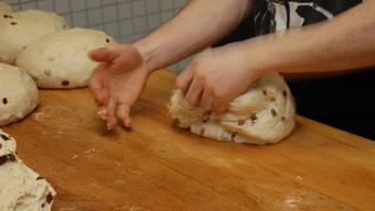So wird der Dreikönigskuchen der Bäckerei Rehra gemacht