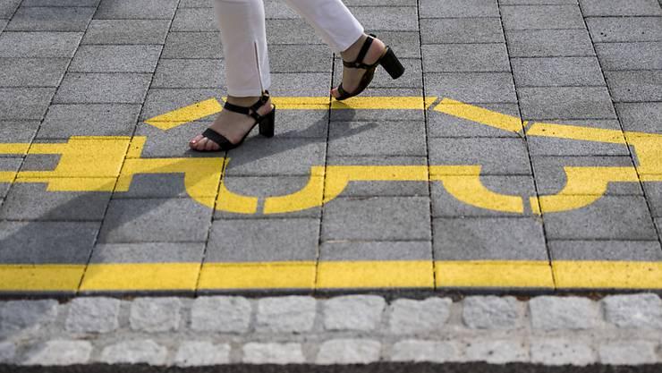 In Deutschland haben die Regierung und die Industrie ein Massnahmenpaket zur Förderung von Elektroautos beschlossen. (Symbolbild)