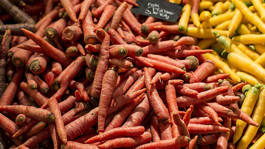 In der Schweiz wurde 2016 erstmals seit Jahren wieder etwas wenige Gemüse konsumiert. (Archivbild)