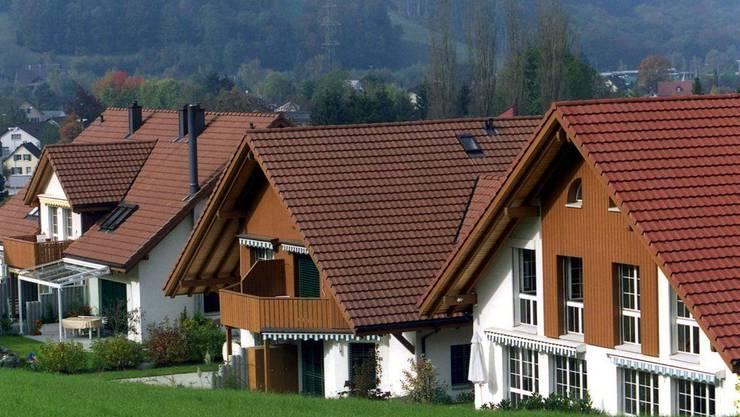 Die Aargauer Regierung will den Eigenmietwert erhöhen. Das Gesetz verlange die Anpassung.