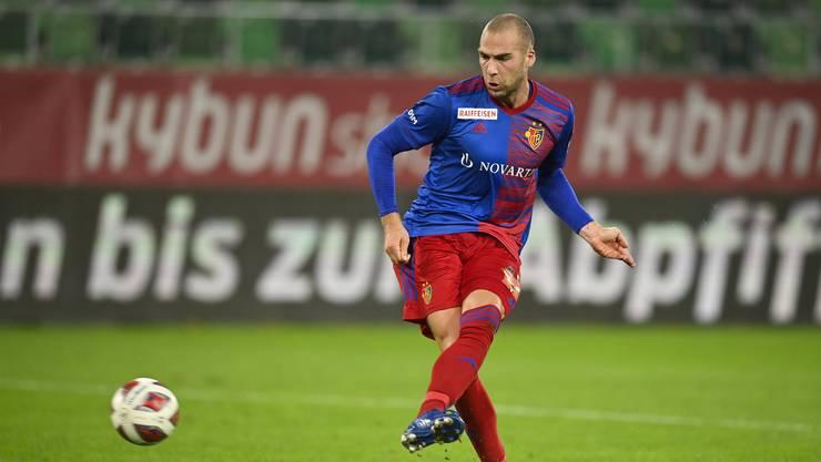 Perfekte Schusshaltung: Pajtim Kasami erzielt den Treffer zum 3:1 für Basel.