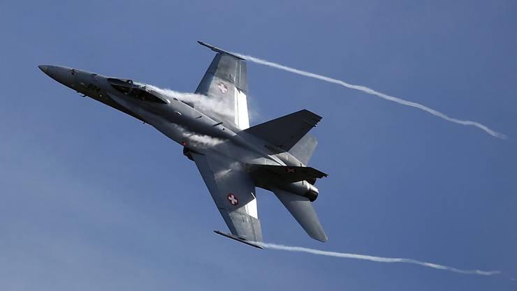 Es ist nicht das erste Mal, dass von russischer Seite her der luftpolizeiliche Dienst in der Schweiz gerügt wird. Im Bild: ein F/A-18-Kampfjet der Schweizer Luftwaffe. (Archivbild)