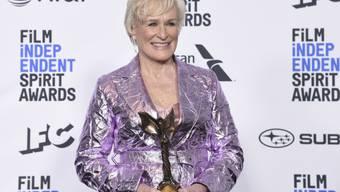 Die Oscar-Preis-Anwärterin Glenn Close hat am Samstag (Ortszeit) in Santa Monica in den USA einen der begehrten Independent Spirit Awards gewonnen.