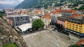 """Niemand beabsichtigt ein Festival zu veranstalten: Der Organisator hat die Piazza del Sole in Bellinzona für das """"Festival des Nichts"""" ausgewählt. So will er gegen den Festival-Notstand in der Kantonshauptstadt demonstrieren."""