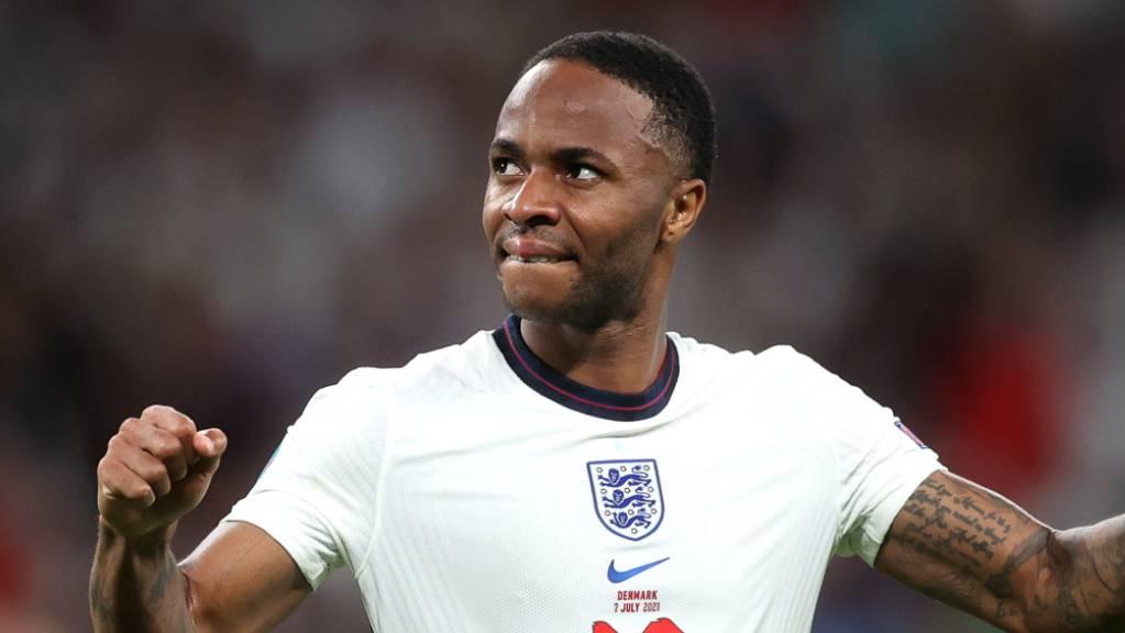 Raheem Sterling scheint sich in seiner alten Heimat, in Wembley, noch immer sehr wohl zu fühlen.