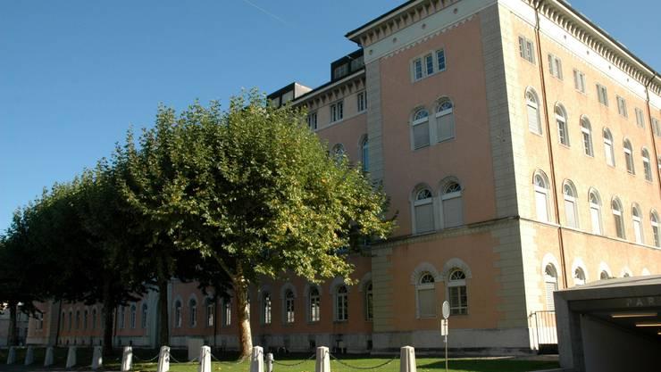 Die Kaserne Aarau soll laut SP in Zukunft zivil genutzt werden.  wan