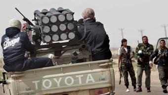 Libysche Rebellen führen den Krieg gegen Gaddafi mithilfe der CIA. key
