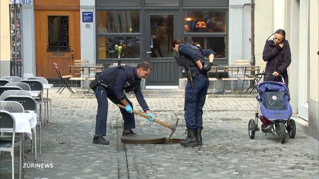 Polizei bringt Diamant-Ohrring aus Kanalisation zurück