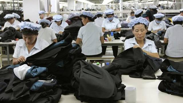 Arbeiterinnen in einer Fabrik im Industriekomplex Kaesong (Bild vom September 2012)