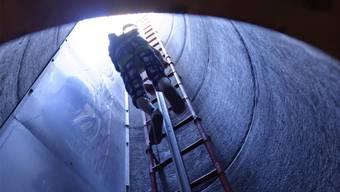 Für den Bau der rund 1,35 Kilometer langen Leitung beantragt der Stadtrat einen Kredit von 25,25 Millionen Franken.  (Themenbild)