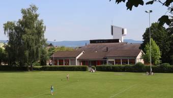 Am Standort des heutigen Kindergartens «Dorf» soll ein neuer vierfach-Kindergarten gebaut werden.ergarten soll am Standort des heutigen Kindergartens «Dorf» beim Turnhallenweg gebaut werden