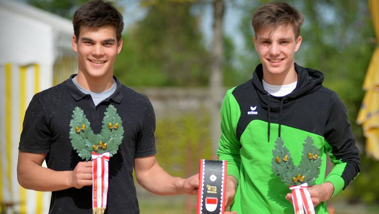 Die beiden Sieger mit Jahrgang 2003: Yanik Bucher (links) und Tobias Hengartner.