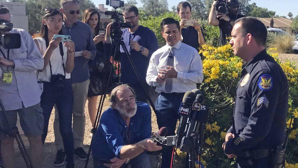 Die Polizei in Scottsdale im US-Gliedstaat Arizona erklärt Medienvertretern ihren Ermittlungsstand zur einer fatalen Mordserie mit insgesamt sieben Toten.