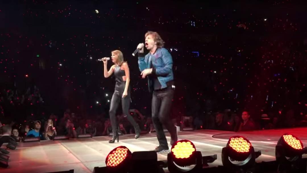 """Taylor Swift und Mick Jagger gemeinsam auf der Bühne in Nashville (USA): Die beiden sangen """"Satisfaction"""" aus dem Jahr 1965."""