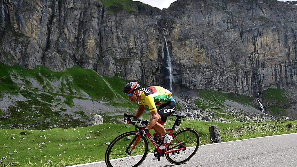 Der Leader Richie Porte vom Team BMC auf dem Weg von Fiesch nach Gommiswald