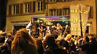Die Tanzdemo am 22.September verlief völlig friedlich. Doch müssen sich deren Organisatoren nicht an die Regeln halten? Christoph Voellmy