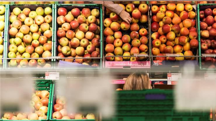 Schweizer Äpfel sind ein rares Gut, das treibt die Preise hoch – Entspannung ist für Herbst angesagt.
