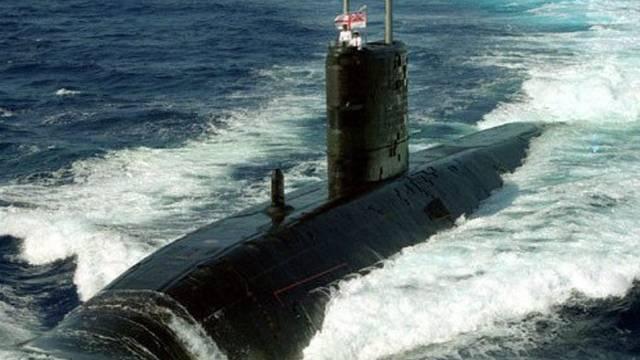Britisches U-Boot läuft auf Grund (Archiv)
