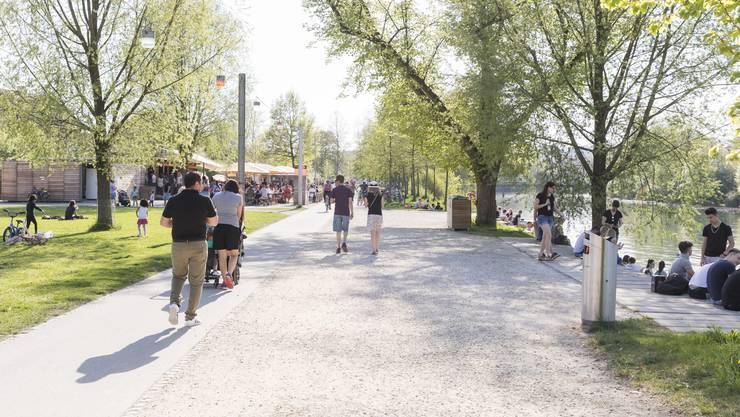 Die Bodenversiegelung führt zu stärkerer Hitzebelastung – auch in Aarau.