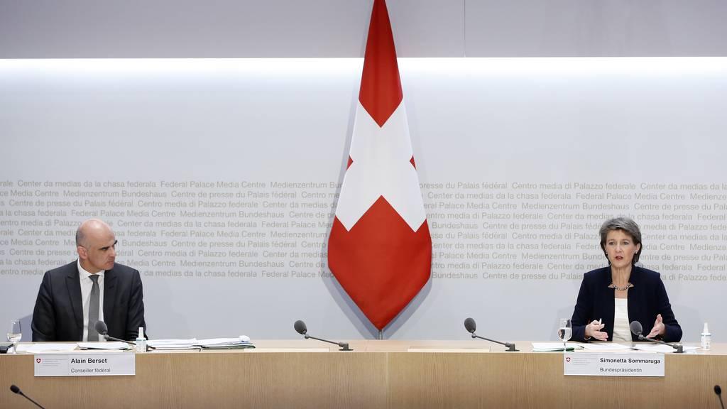 Simonetta Sommaruga und Alain Berset präsentierten am Dienstag die neue Strategie.