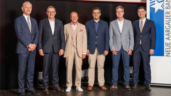 Roberto Belci (NAB), Hans-Jörg Aerni (Elco AG), Moderator Kurt Aeschbacher, Andreas Schwarz (Digitec Galaxus), Richard Müller (FHNW) und Benjamin Giezendanner (Vizepräsident Aargauischer Gewerbeverband).