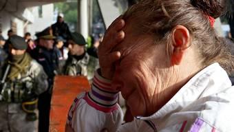 Trauer vor Paraguays grösster Haftanstalt: Bei einem Brand starben mindestens sechs Menschen im Gefängnis.