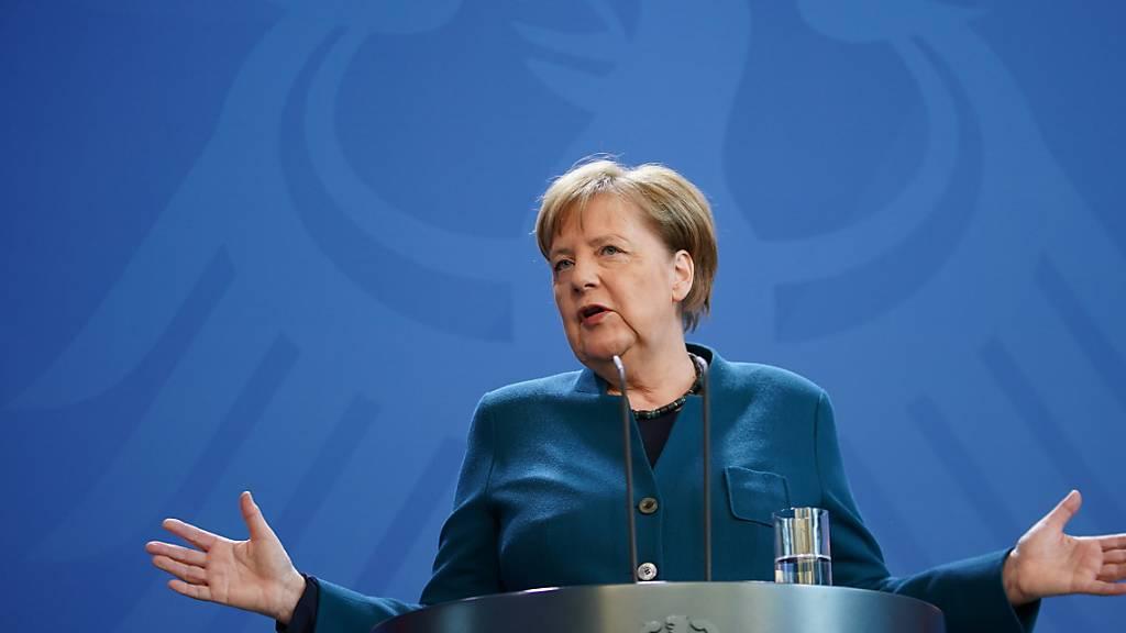 Die CDU von Bundeskanzlerin Angela Merkel legt bei der jüngsten Wahlumfrage in Deutschland weiter zu. Die weitherum gelobte Führungsstärke Merkels in der Coronakrise dürften dazu beigetragen haben. (Archivbild)