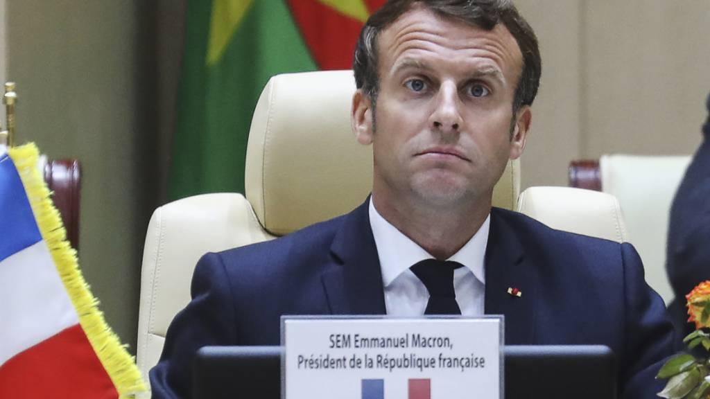 Macron will mit neuem Team Frankreich aus der Coronakrise führen