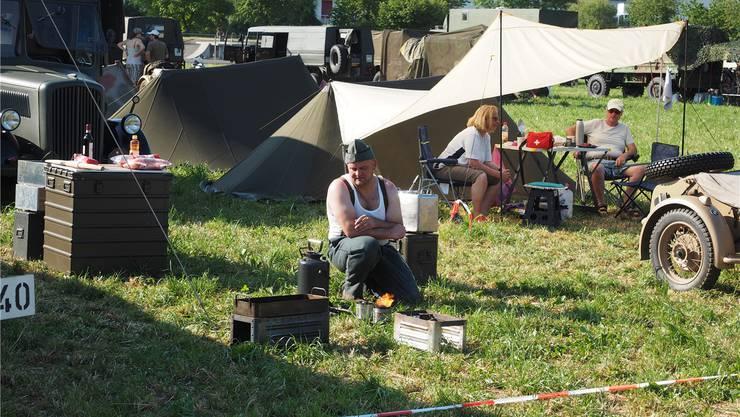Selbst ist der Soldat: Die gut 200 Mitwirkenden leben bis Sonntag im Camp – und geben Einblicke in das Soldatenleben von einst.