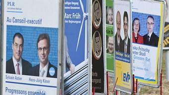 Wahlplakate bei Richigen (Archiv)