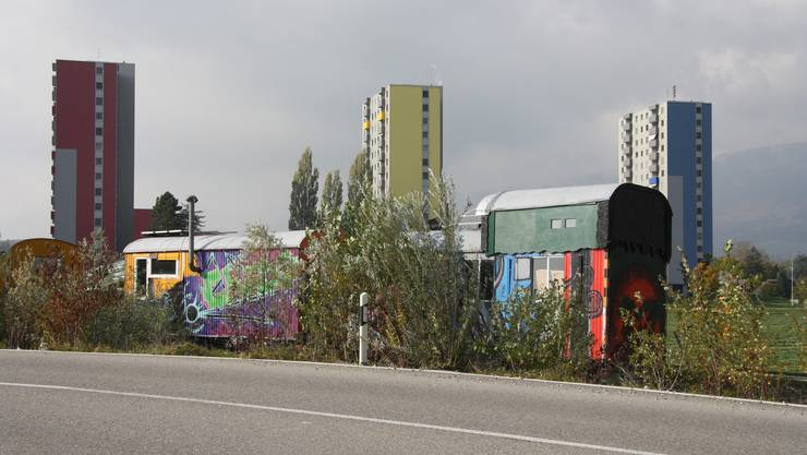 Bunt neben bunt in der Weststadt – und dennoch Wohnformen, wie sie unterschiedlicher nicht sein könnten.