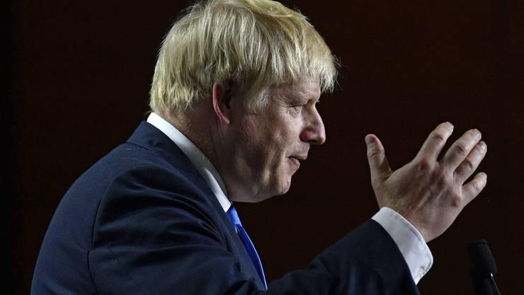 Johnson rafft seine Kräfte zusammen, um den Brexit-Plan durchzusetzen.