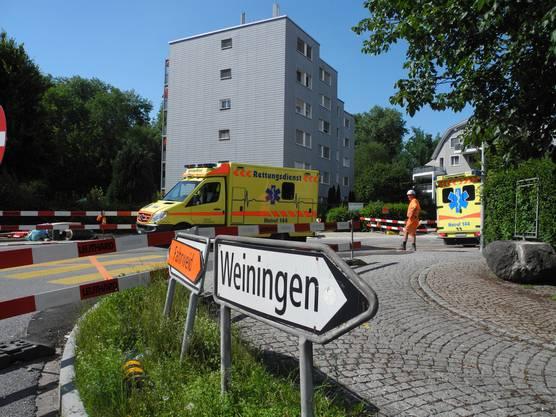 Quartierstrasse wurde gesperrt: Bis der Schaden behoben ist, dürfen weder Passanten noch Anwohner auf die Strasse.
