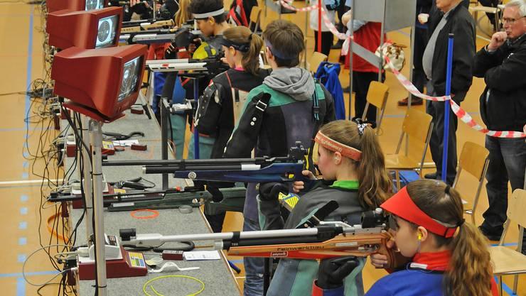 Blick in die Wettkampfhalle der Aargauer 10-m-Meisterschaften in Aarau.