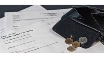 Junge Erwachsene sind in Sachen Schulden besonders gefährdet. (Symbolbild).