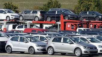 Im ersten Halbjahr 2016 sind in der Schweiz weniger Autos verkauft worden als im Vorjahr. (Archiv)