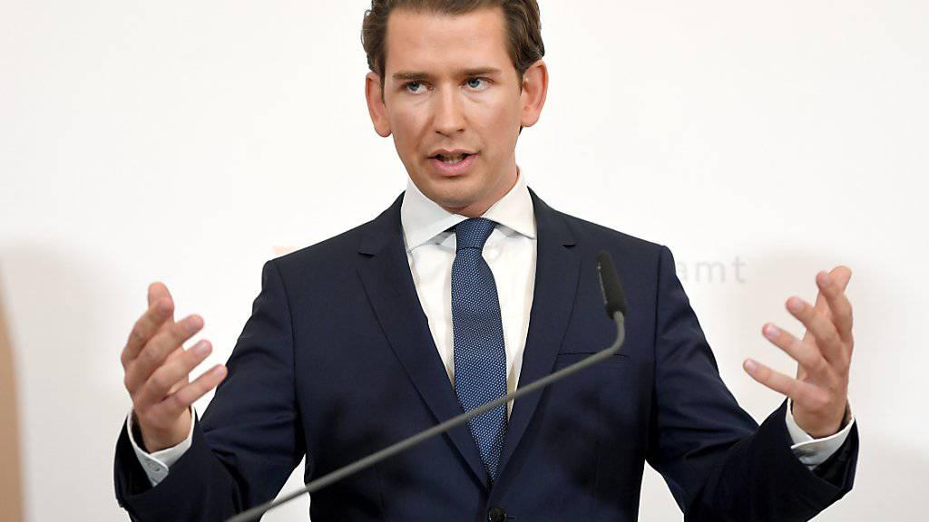 In der Regierungskrise in Wien wird der Druck auf Bundeskanzler Sebastian Kurz unter immer grösser. (Archiv)