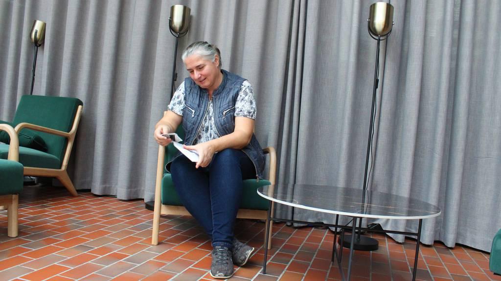 Von Armut betroffen: FM1-Hörerin überrascht bedürftige Sonja