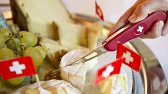 Auch bei Käse müssen künftig mindestens 80 Prozent der Rohstoffe aus der Schweiz stammen, damit er als schweizerisch gilt