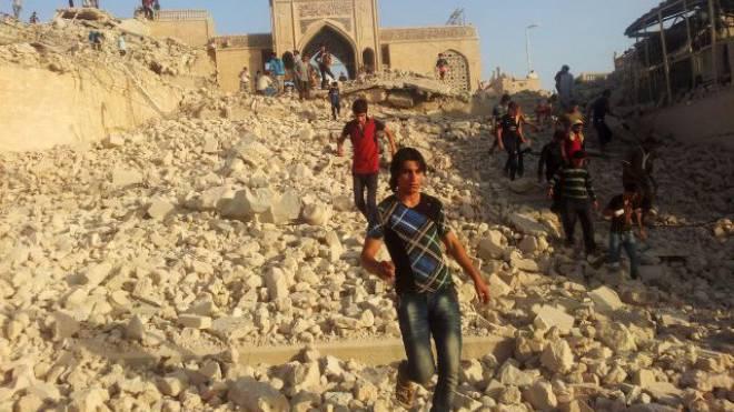 Die IS-Terroristen zerstörten diesen Juni das Grabmal des Propheten Jonas in Ninive bei Mosul im Nordirak. Foto: KEYSTONE