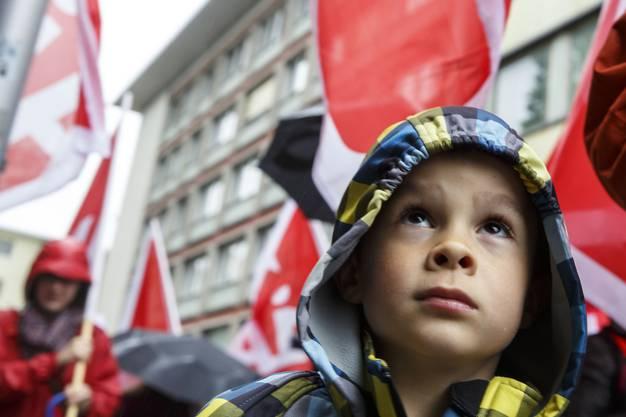 Junger Kämpfer an vorderster Front