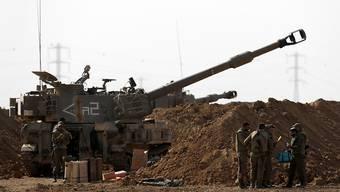 Artilleriesoldaten der israelischen Armee bei Sderot an der Grenze zum Gazastreifen.