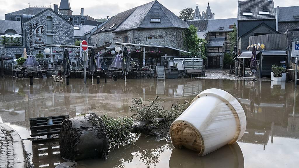 Die belgische Stadt Durbuy wurde von den starken Regenfällen überschwemmt. Polen hat angesichts der Hochwasserkatastrophe Deutschland und Belgien Unterstützung angeboten. Foto: Anthony Dehez/BELGA/dpa