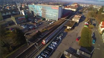Der Schönenwerder Bahnhof soll 2021 zur öV-Drehscheibe werden. Bruno Kissling