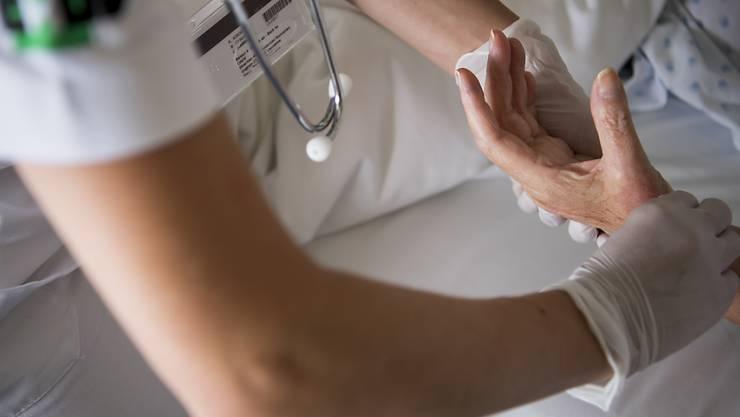 Gesundheitsapps sind jedoch alles andere als harmlos, wie ein genauer Blick in die Nutzungsbestimmungen zeigt. (Symbolbild)